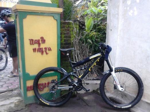 Sepeda sudah dicuci, terima kasih om Heri